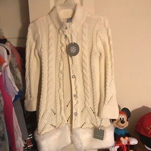 Tahari girls size 4 small sweater with faux fur
